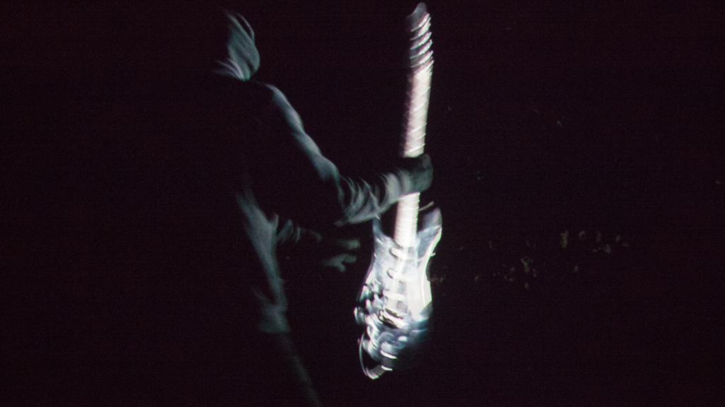Natascha Stellmach, Still from Scream, 2010, 2-channel video projection, sound, 4:40 min