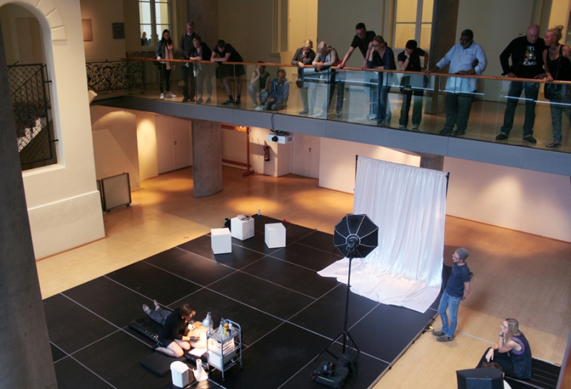 Stellmach performing The Letting Go, Museum für Kunst & Gewerbe Hamburg, 2015 © Studio Stellmach